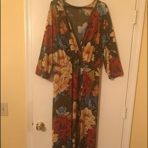 Women's Belted Maxi Dress - size 20